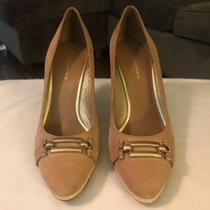 Banana Republic Nude Leather Pumps Size 8.5.